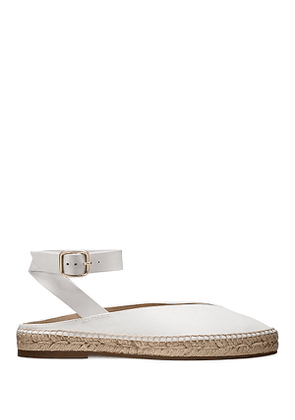 Stuart Weitzman - The Toga Flat In Off White - Size 36