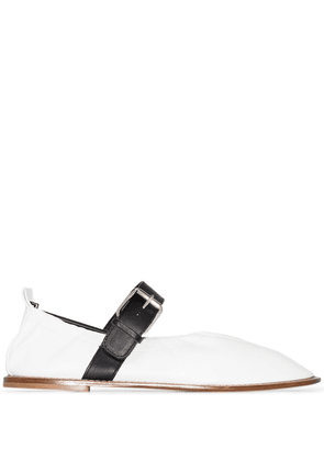 Plan C contrast-strap buckled ballerina shoes - White
