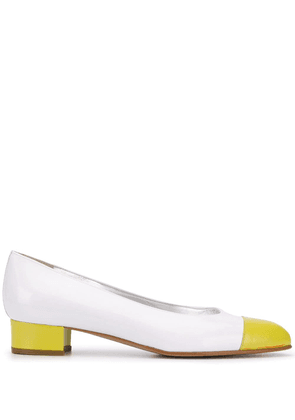 Carel contrasting toe pumps - White