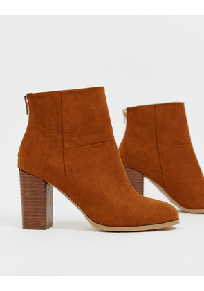 ASOS DESIGN Essy heeled ankle boots-Tan
