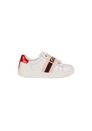 Toddler Ace leather sneaker with Gucci stripe