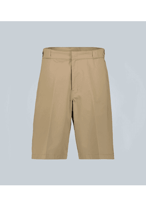 Gabardine knee-length shorts