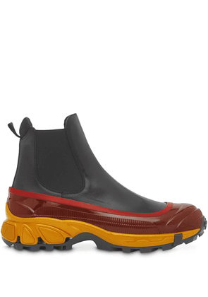 Burberry contrast sole Chelsea boots - Black