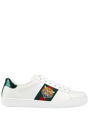 Gucci Ace tiger-appliqued sneakers - White
