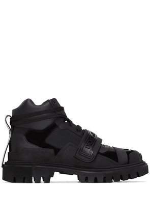 Dolce & Gabbana panelled logo hiking boots - Black