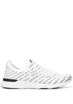 APL: ATHLETIC PROPULSION LABS Techloom Wave sneakers - White