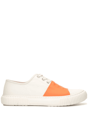 Both GUM front-strap trainers - White