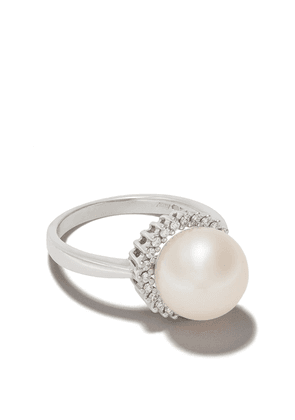 Yoko London 18kt white gold Classic Freshwater pearls and diamond ring
