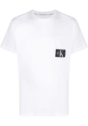 Calvin Klein Jeans logo patch crew-neck T-shirt - White