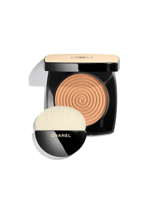 CHANEL Exclusive Creation - Healthy Glow Highlighting Powder - Colour Sand
