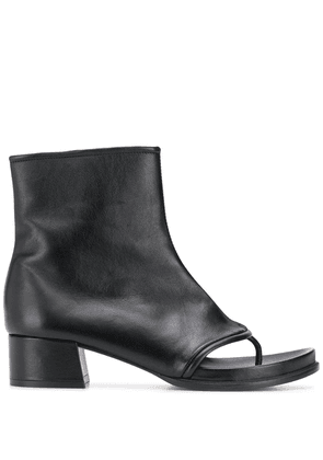 Loewe thong strap ankle boots - Black