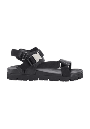 Sandals with clip fastener