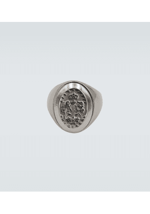 Signet metallic ring