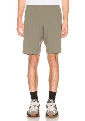 Arc'teryx Veilance Secant Comp Short in Grey. Size XL.