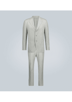 Striped-patterned suit