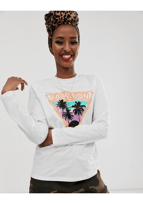 ASOS DESIGN t-shirt with retro holiday print with long sleeves-White
