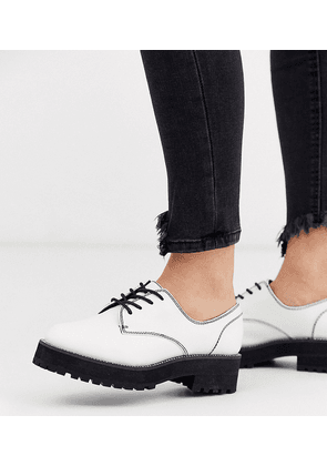 ASOS DESIGN Wide Fit Valve chunky lace up flat shoes with chain detail in white