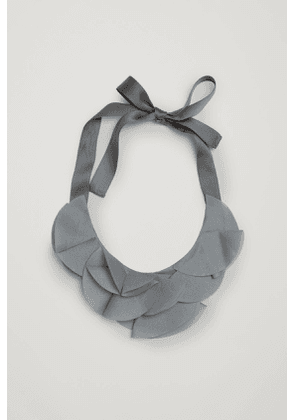 RUCHED MATERIAL NECKLACE