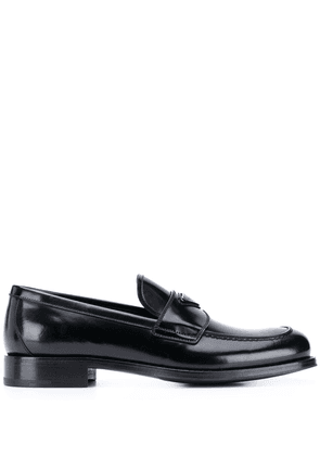 Prada logo-plaque leather loafers - Black