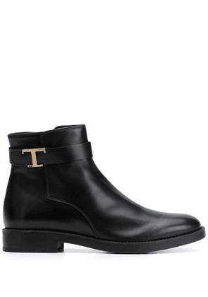 Tod's T-buckle leather ankle boots - Black