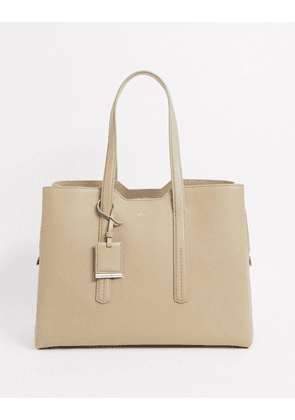 Hugo Boss zipped leather tote bag in brown
