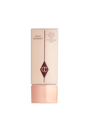 Charlotte Tilbury Light Wonder Foundation SPF15 - Colour 1.5