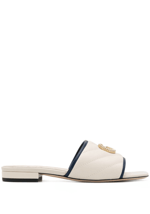 Gucci GG quilted sandals - White