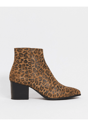 ASOS DESIGN heeled chelsea boots with pointed toe in leopard print-Brown