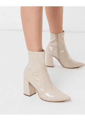 New Look patent PU heeled boots in oatmeal-Beige