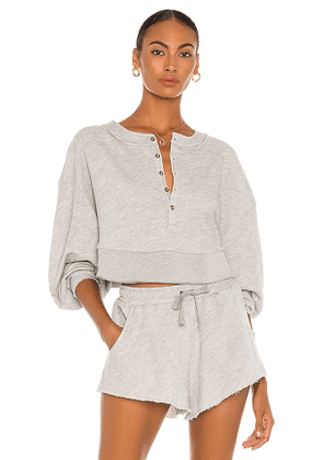 Lovers + Friends Oversized Henley Pullover in Light Grey. Size XL.