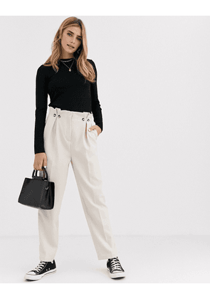 New Look button detail pleated trouser in cream-Tan