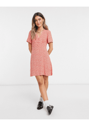 New Look frill sleeve smock dress in red ditsy print-White