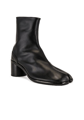 Maison Margiela Tabi Ankle in Black - Black. Size 41 (also in 43,44,45).