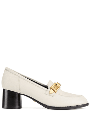 Gucci chain-detail 55mm block-heel loafers - White