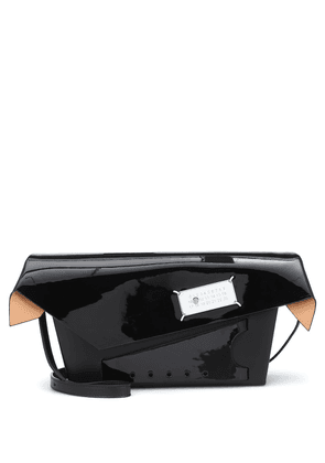 Snatched medium patent leather clutch