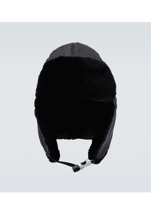 Nylon aviator hat with shearling