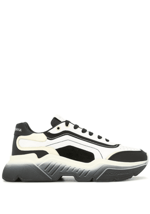 Dolce & Gabbana chunky low-top sneakers - Black