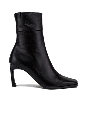 Reike Nen T Trim Boots in Black. Size 36,36.5.
