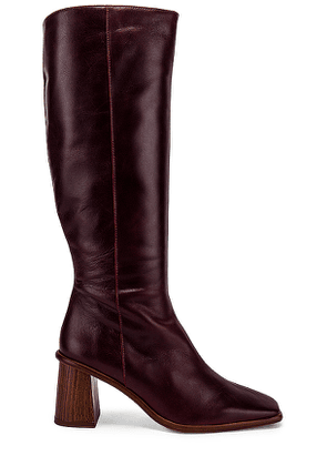 ALOHAS East Boot in Burgundy. Size 36,37,38,39,40.