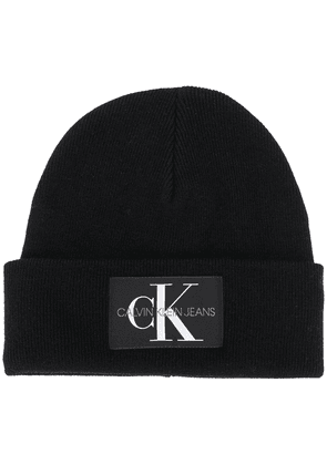 Calvin Klein Jeans logo patch beanie hat - Black