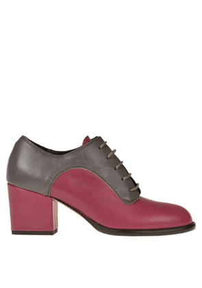 Bicolored leather laced shoes