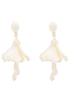 Oscar de la Renta Impatiens drop earrings - White