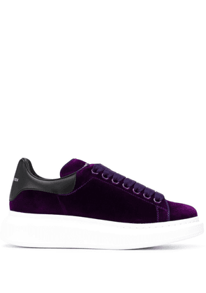 Alexander McQueen Oversized low-top sneakers - PURPLE