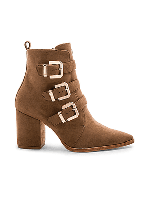RAYE x House Of Harlow 1960 Doute Boot in Taupe. Size 5.5,6,6.5,7,7.5,8,8.5,9,9.5.