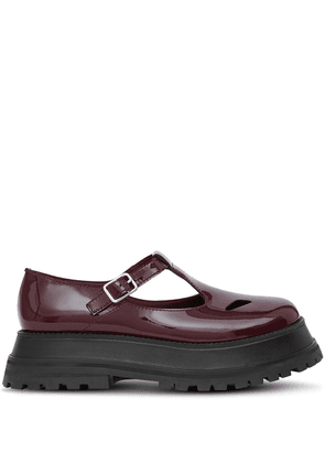 Burberry patent leather T-bar shoes - Red