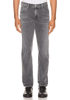 Citizens of Humanity Bowery Standard Slim Jean in Carbon. Size 30 (also in ).