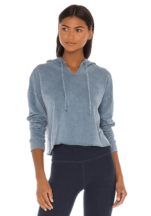 Beyond Yoga Hey Chambray Cropped Hoodie in Blue. Size XS,M,L.