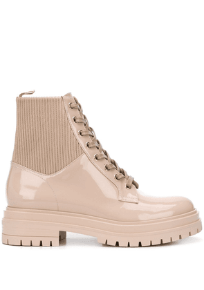 Gianvito Rossi patent lace-up ankle boots - Neutrals