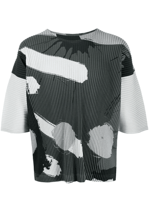 Homme Plissé Issey Miyake abstract print pleated T-shirt - Grey