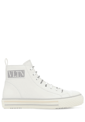 20mm Hi Top Leather Sneakers